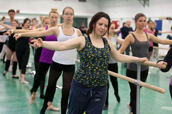 Zentrum für Hochschulsport: Klassisches Ballett mit tänzerischen Elementen; Foto: Rolf Oeser