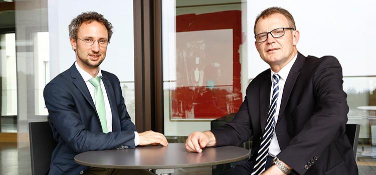 Wollen mit den Foren die Vielfalt der Third- Mission-Aktivitäten sichtbar machen: Dr. Cornelius Gröschel (links) und Vizepräsident Prof. Manfred Schubert-Zsilavecz; Foto: Dettmar